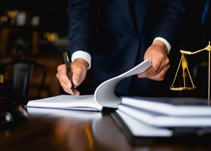 قرارداد با یک وکیل خوب در تهران شرایط خود را دارد