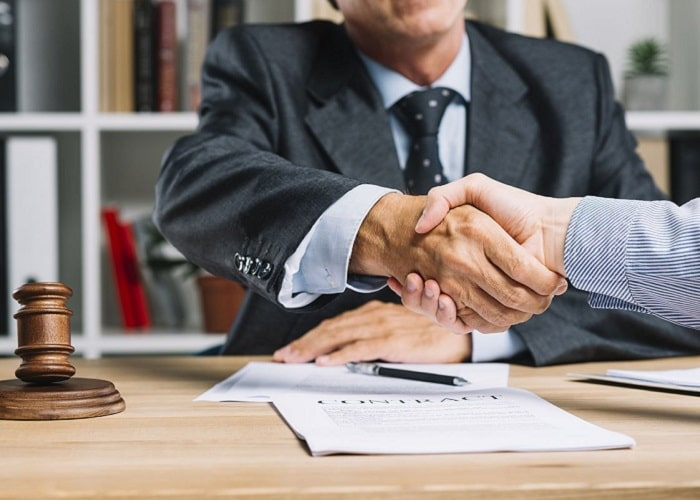 5 مرحله ضروری برای انتخاب بهترین وکیل در تهران